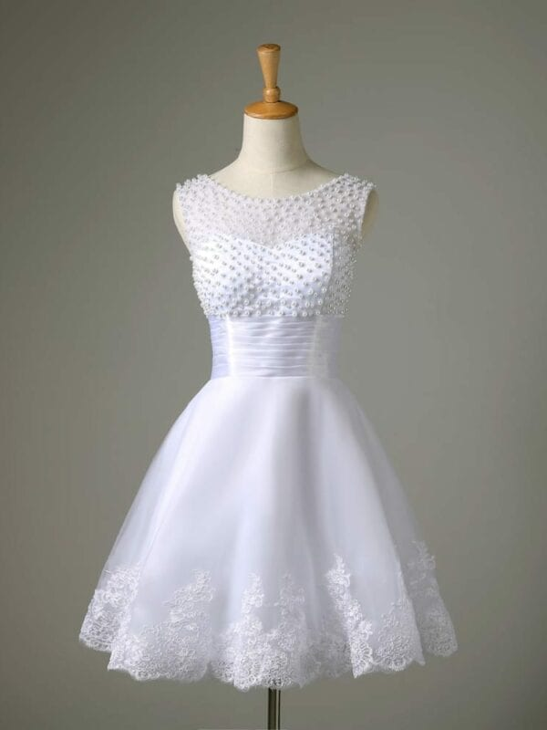 A-line Lace Pearl Short Wedding Dress