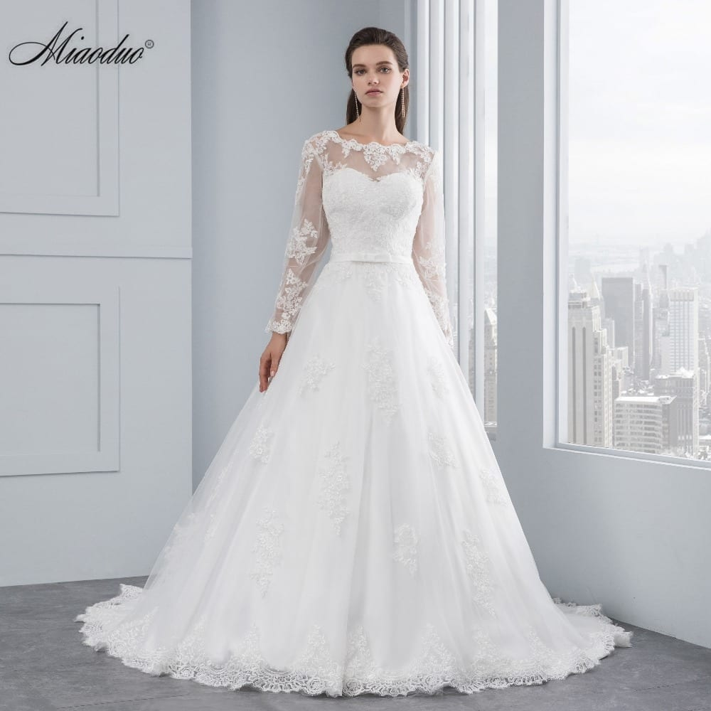Appliques Luxury Lace Long Sleeve Wedding Dress