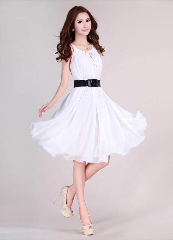 Elegant Sleeveless Chiffon Dress With Belt