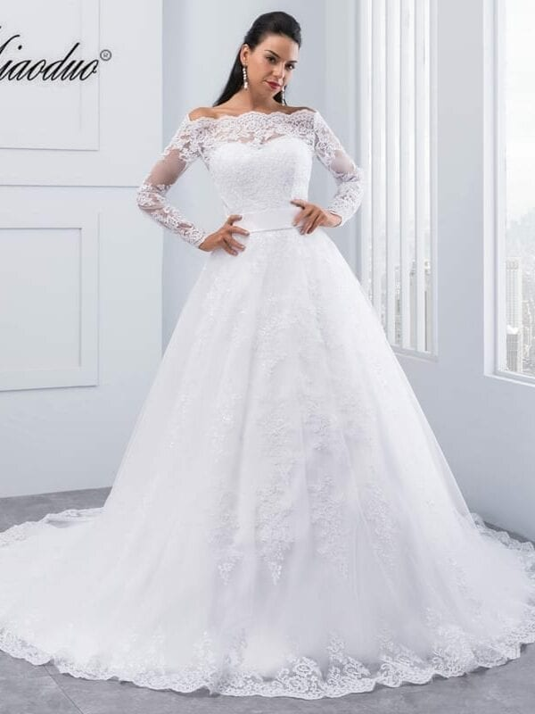 Beauty Long Sleeves Lace Wedding Dress