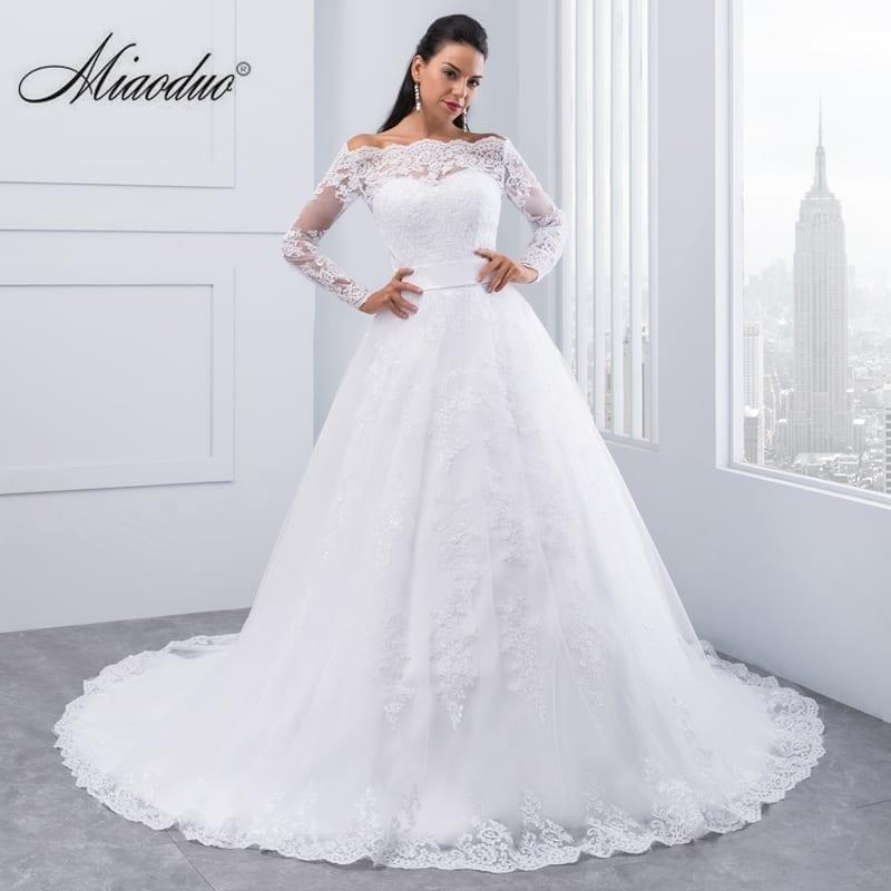Beauty Long Sleeves Lace Wedding Dress