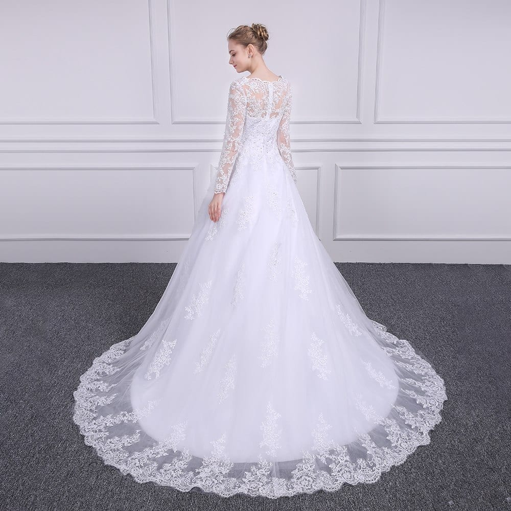 Elegant Sccop Appliques Vintage A-line Lace Wedding Dress