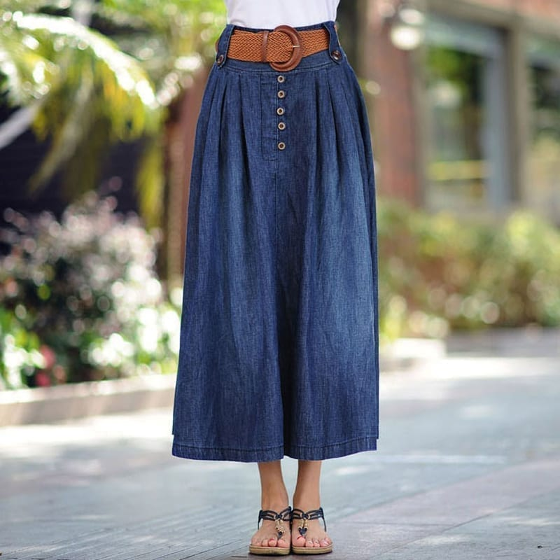Below is a list of our current collection of skirts. These include Skirts from denim jeans material, cotton twill skirts, as well as jersey cotton skirts.