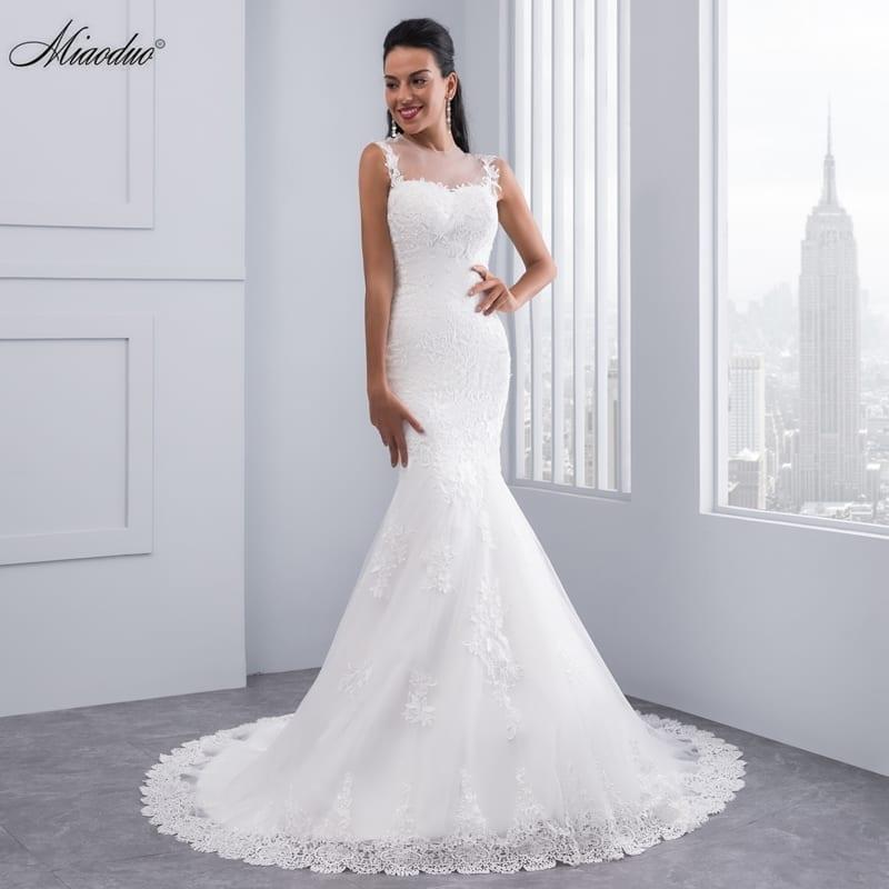 Elegant Vintage Full Length Scoop Neck Mermaid Wedding Dress
