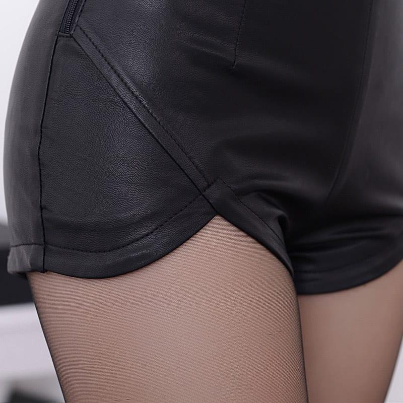 Black Red High Waist Vintage Shorts