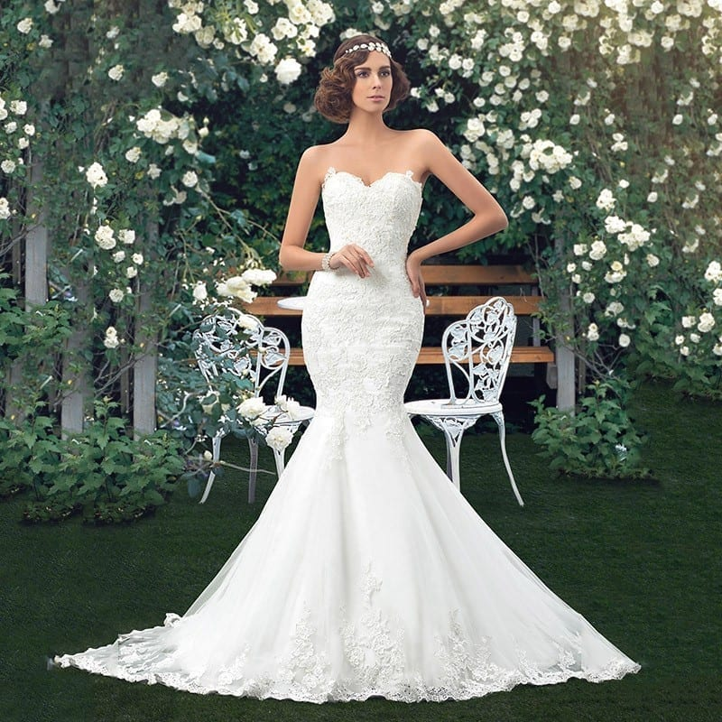 Sweetheart Lace Up Back Applique Long Lace Mermaid Wedding Dress
