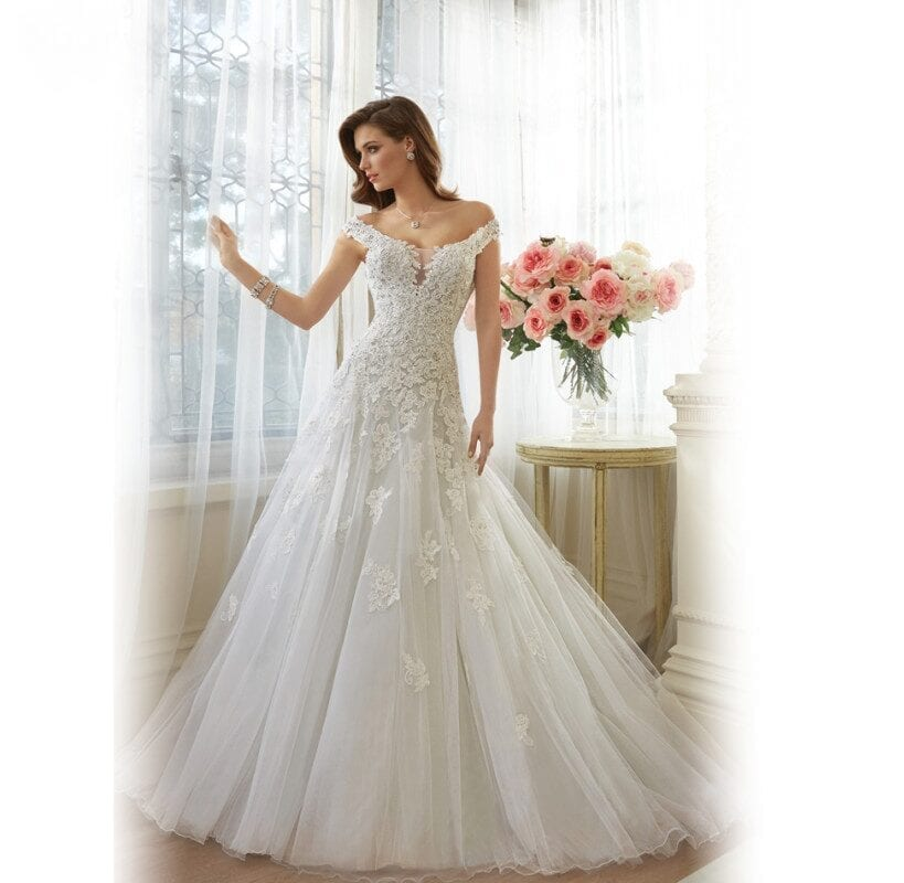 Cap Sleeve Princess A-line Tulle Wedding Dress