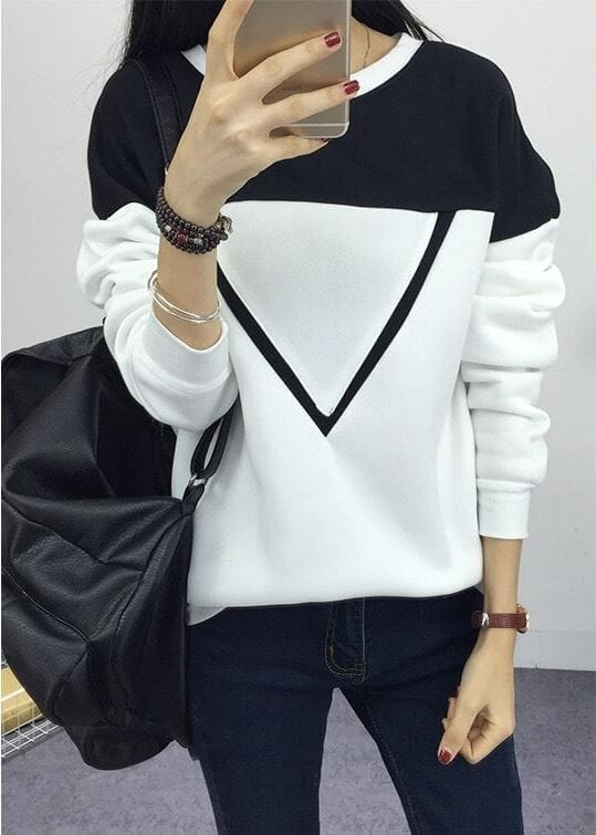 Black And White Patchwork V Pattern Sweatshirt