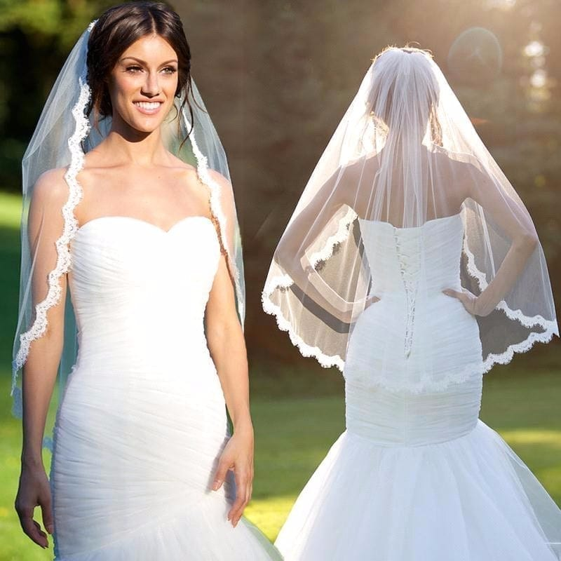 1.5 Meters Short Wedding Veils With Comb Lace Edge Beige White