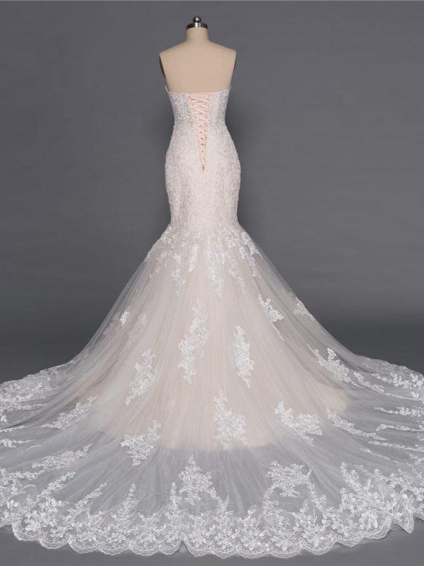 Champagne Sweetheart Sleeveless Appliques Lace Mermaid Wedding Dress