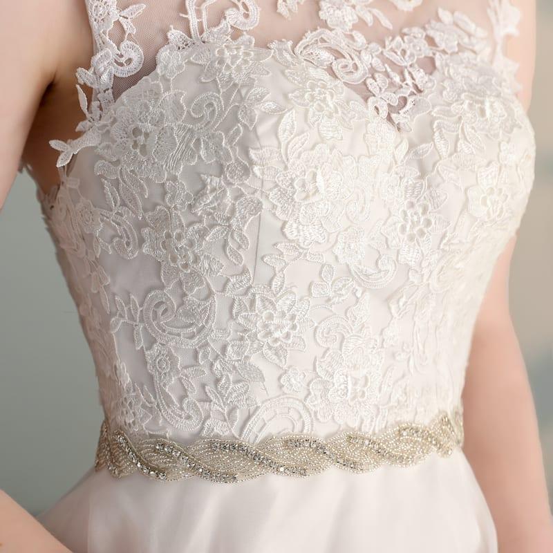 Elegant O-neck Organza Appliques Ball Gown Wedding Dress