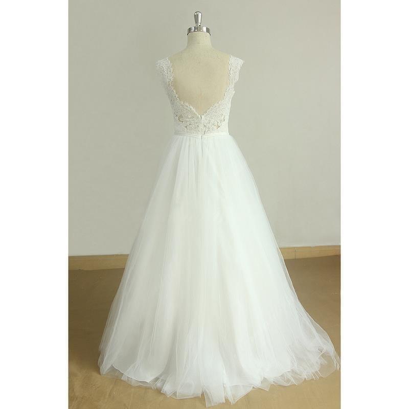 White Tulle Appliques V-neck Cap Sleeves A-line Floor-length Wedding Dress