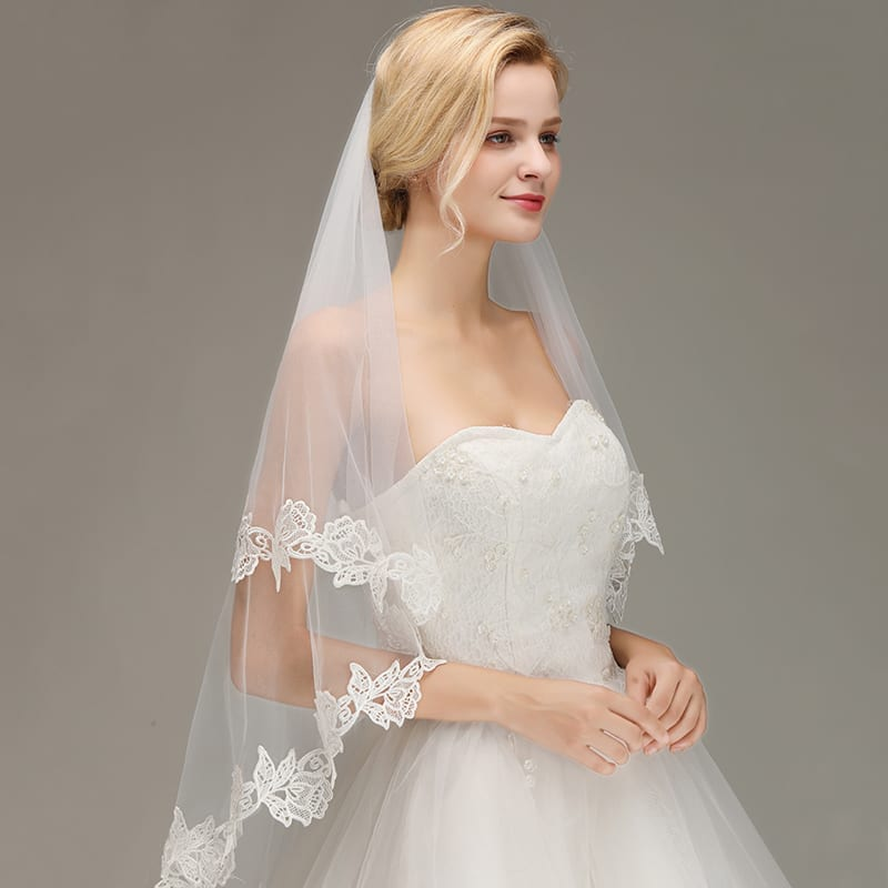 1.5 M Romantic Lace Applique Two Layers Wedding Veil With Comb Wedding Accessories
