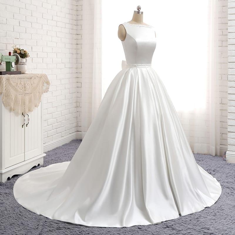 Ivory Stain Floor-length O-neck Backless Elegant Wedding Dress