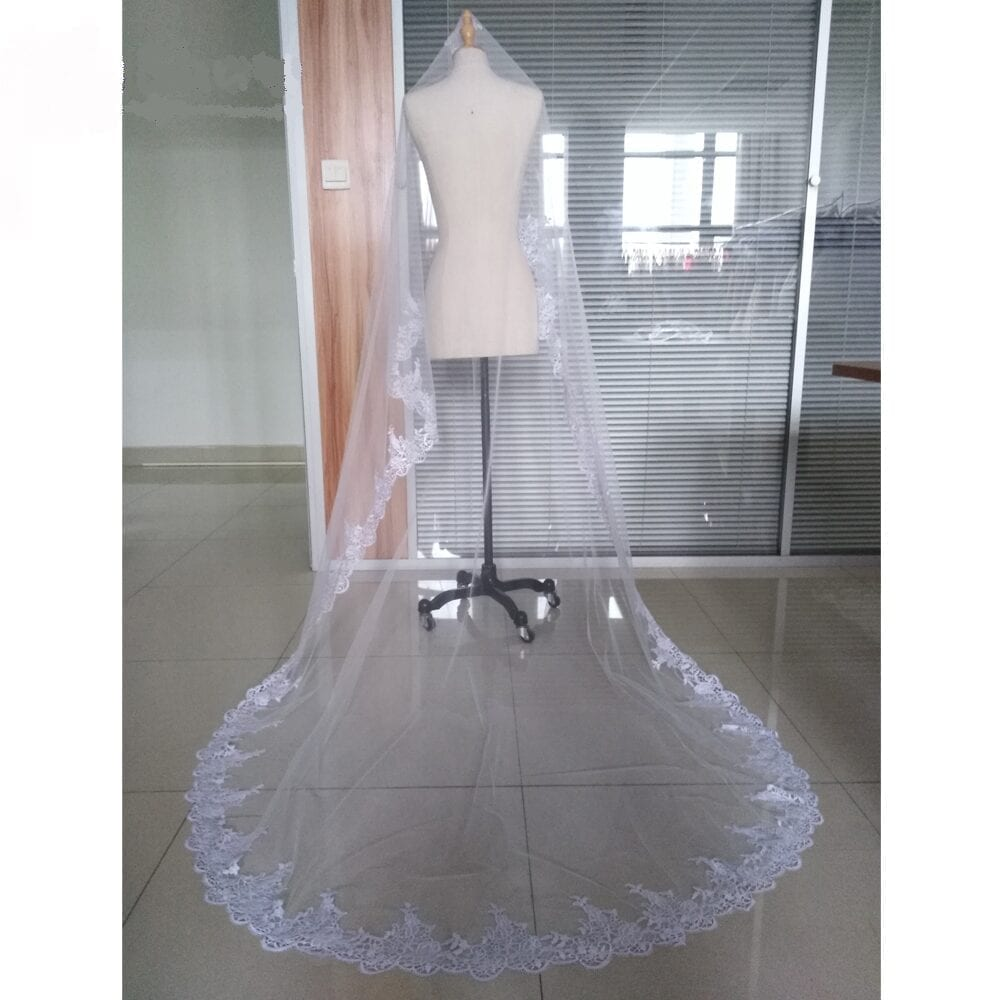 White Ivory 3 M Lace Cathedral Veil Without Comb Wedding Accessories