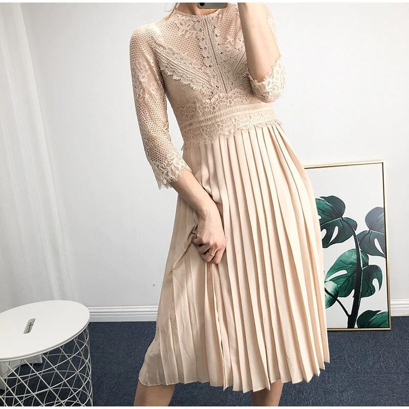 O-neck Patchwork Pleated Solid A-line Long Sleeve Lace Dress
