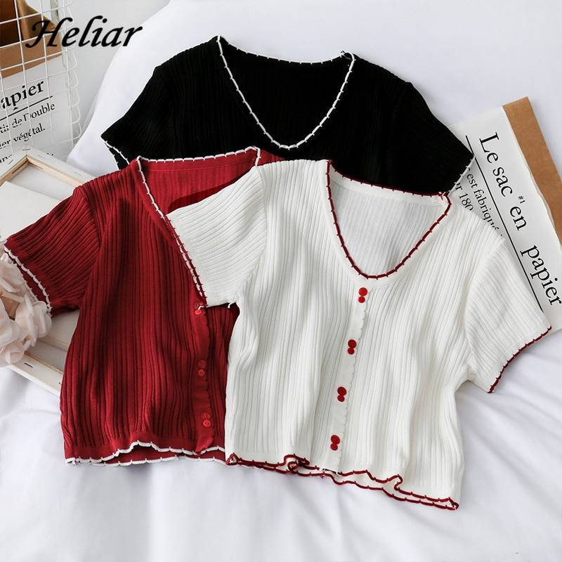 Buttoned up v-neck knitted crop t-shirt
