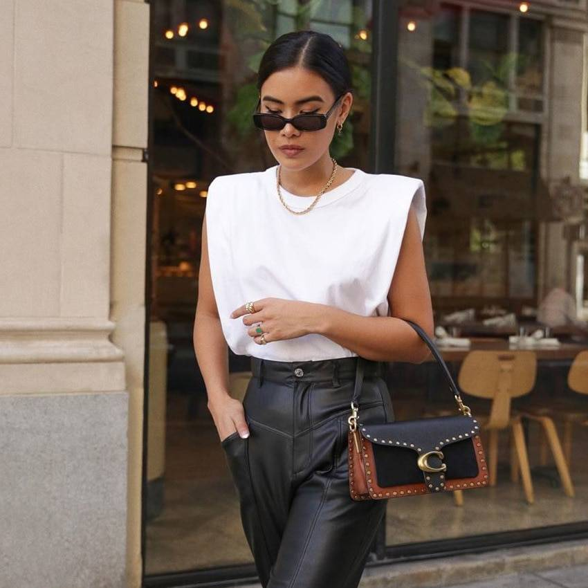 Summer Sleeveless Top Female O Neck White Women Blouse Shirt Ladies Loose solid Chic Casual Blouses Black 2020 Cotton Brown