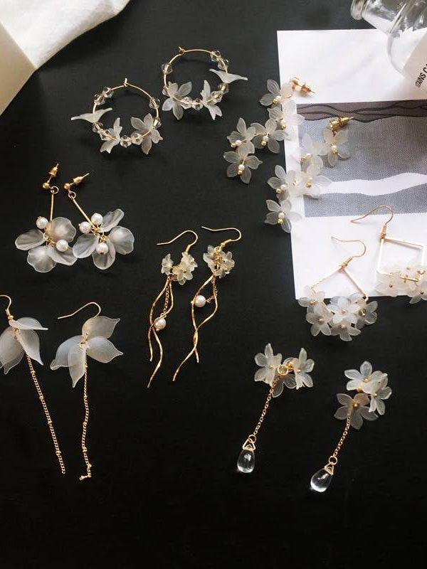 Flower crystal long hanging earrings
