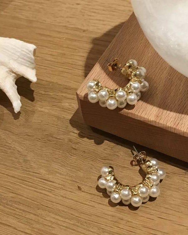 Vintage hoop pearl earrings