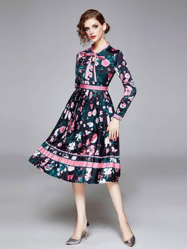 Elegant long sleeve floral printed pleated dress