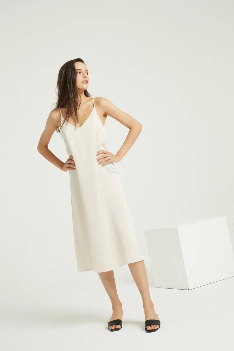Strap backless loose satin dress