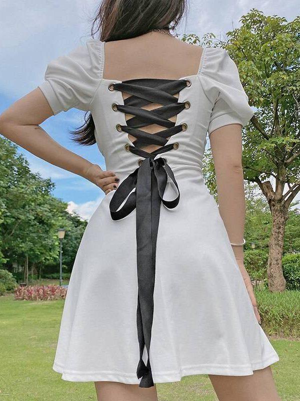 Elegant black square neck lace up backless pleated dress