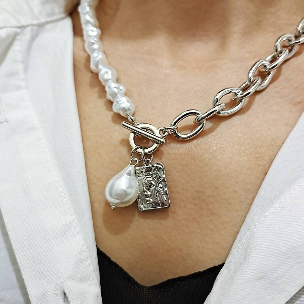KMVEXO Vintage Baroque Irregular Pearl Lock Chains Necklace 2020 Geometric Aangel Pendant Love Necklaces for Women Punk Jewelry
