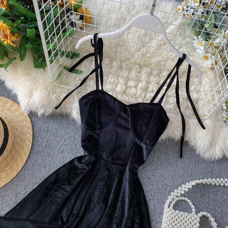 Elegant vintage gothic spaghetti strap dress
