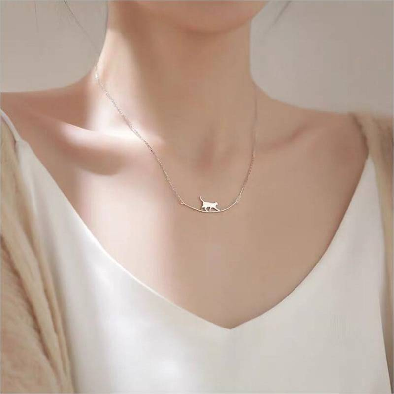 Silver Cute Walking Cat Clavicle Chain Necklace 2