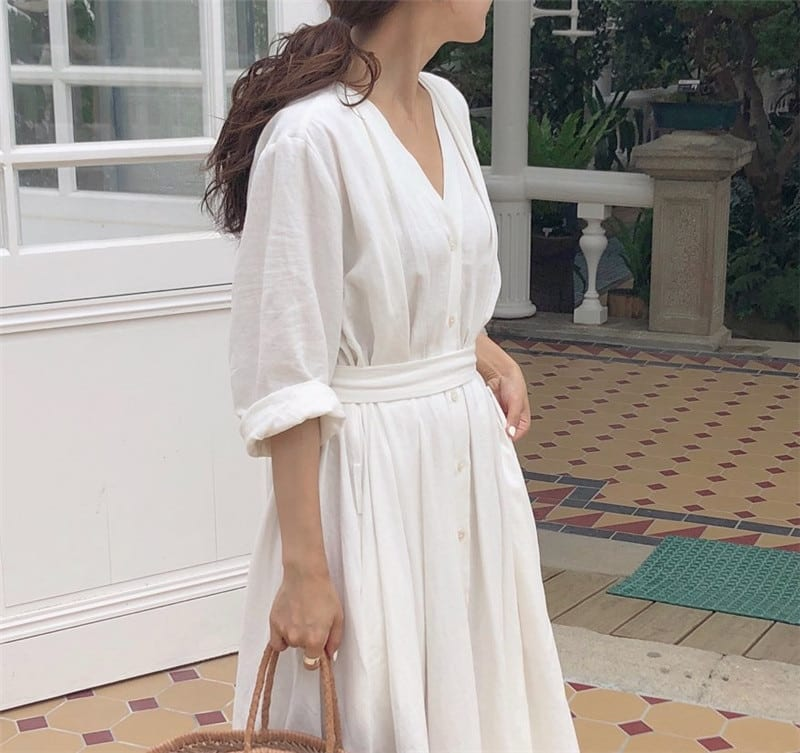 Colorfaith New 2021 Women Dresses Spring Summer Cotton and Linen Elegant Pleated Long White Dresses V Neck Lace Up Bow DR1086
